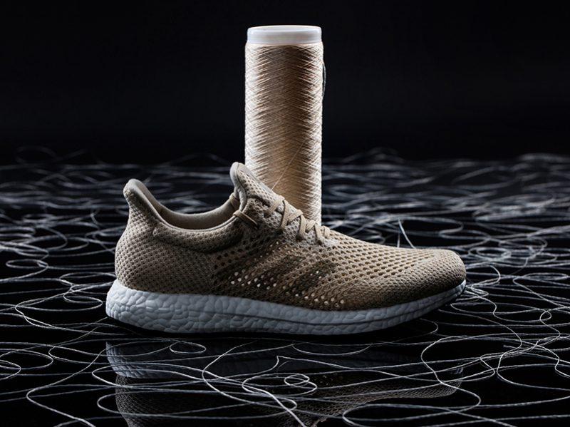 Zapatillas biodegradables de fibra de seda de araña artificial de Adidas